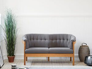 N 100 to personers sofa