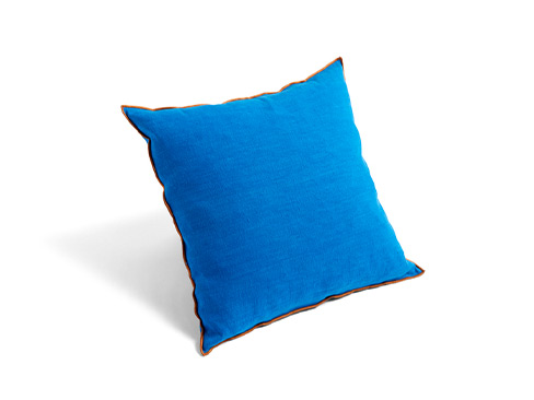 Outline Cushion i farven persian blue
